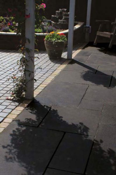 Natural Paving -  Carbon Black Limestone